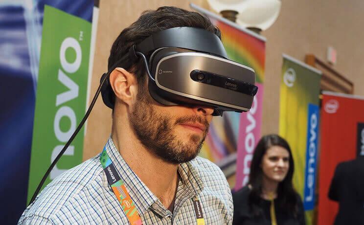 联想发布首款 VR 头显,基于 Windows Holographic,单眼分辨率达 1440x1440 ...